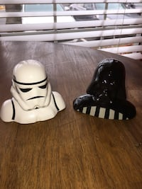 Star Wars Ceramic Salt & Pepper Shakers (2) Sterling, 20164