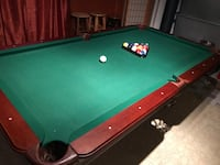 pool table, 4 sticks, sticks and balls holder Riverdale, 20737