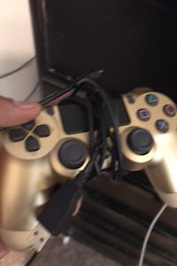 Game console controller with charger cable Las Vegas, 89110