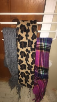 3 assorted scarf Amherst, 14226