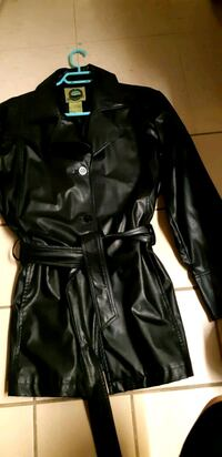 black leather zip-up jacket St. Catharines, L2M 4G1