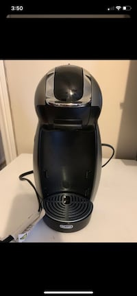 Coffee maker ( no pods included)