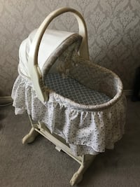 The first years infant bassinet Hamilton, L8B 0T8