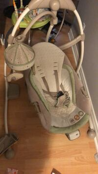 baby's gray and white cradle and swing Blainville, J7B 1M1