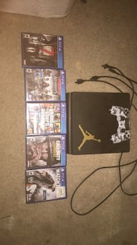 Sony PS4 console with controller and game cases Brunswick, 21716