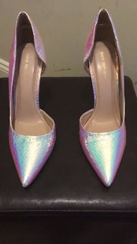 pair of purple pointed-toe pumps Washington, 20020