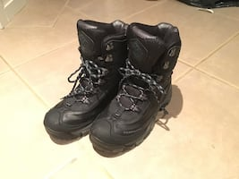 Winter Hiking Boots - US 8.5 W