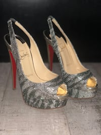 Pair of gray peep toe platform stilettos Las Vegas, 89113
