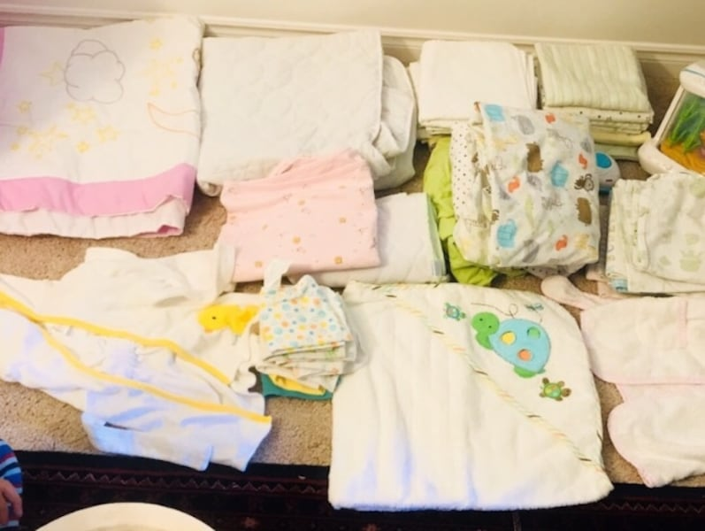 Baby's assorted clites & blankets towels fc876750-3666-4577-b97e-95f8b342a8f5
