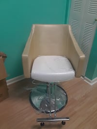 White and gold swivel chair Hialeah, 33013