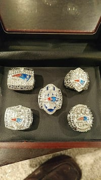 New England Patriots 5 superbowl rings