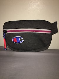 Champion fanny pack New Westminster, V3L 2C2
