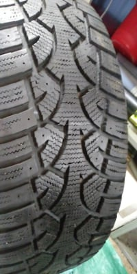 2  Altimax winter tires  215-55-17 Montréal