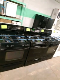 BLACK GAS STOVES IN EXCELLENT CONDITION WORKING PERFECTLY  Baltimore, 21201