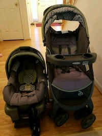 Graco stoller and infant carseat with one base  24 km