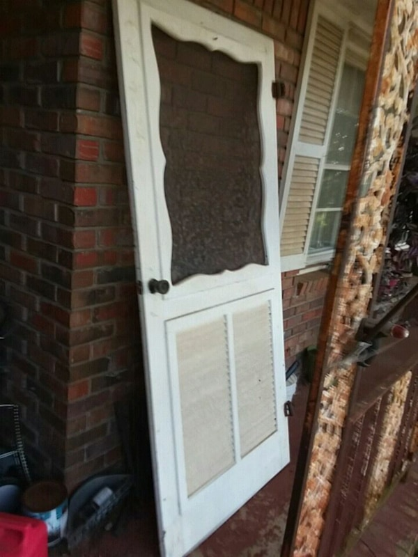 Antique screen door approximately 60 years old - Used Antique Screen Door Approximately 60 Years Old For Sale In