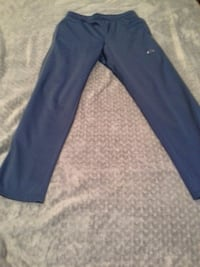 Oakley Mens Medium blue sweatpants.