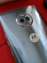 Moto x4 XT1900-1 (priced to sell!)