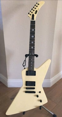 white and black electric guitar Linden, 48451