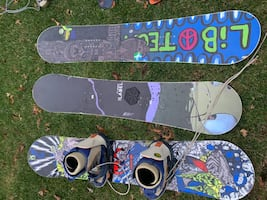 Snowboards boots bindings
