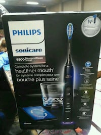 philips sonicare 9300 diamond clean smart Victoria, V8T 4M8