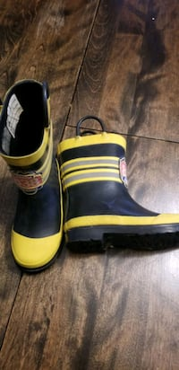 Fire chief rubber boots size 10 Calgary, T3K 1V7
