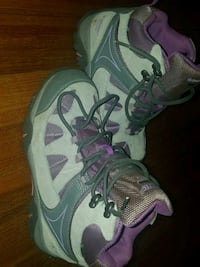 Girl's hiking boots Size 4