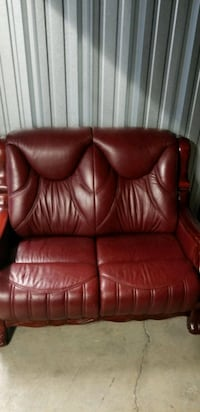 Leather couch set Toronto, M1N 1P2