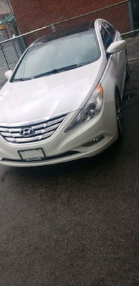 Hyundai - Sonata  fully loaded - 2013 Toronto
