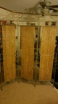 *like new room divider  Lothian, 20711
