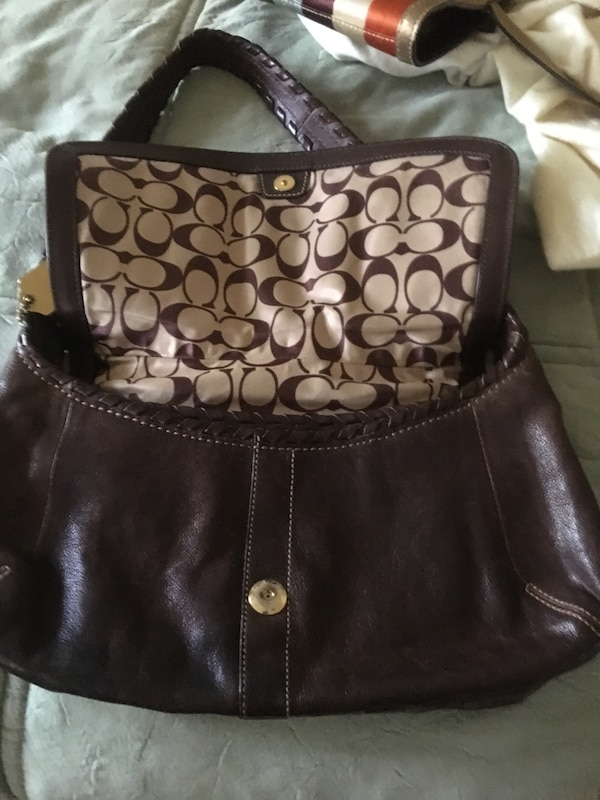 19a01b19c39f2 Used Coach purse-good condition. Dark brown, 2 views shown for sale in Park  Forest - letgo