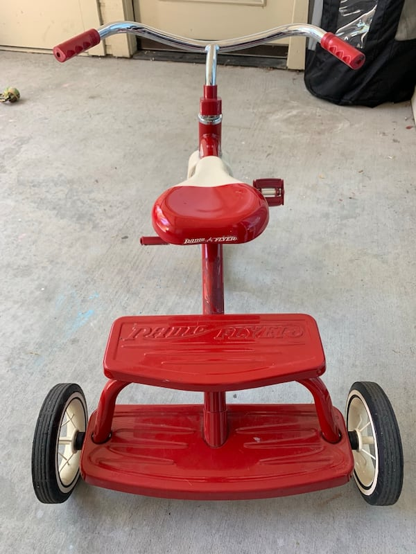 Radio Flyer Tricycle  4