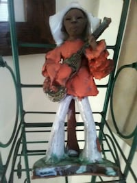 Clay $5.00 Statue Middletown, 10940