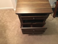 Nightstand/end table Omaha, 68114
