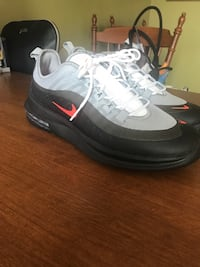AIR MAX SIZE 9 BRAND NEW Herndon, 20170