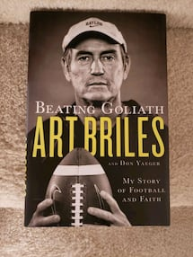 Beating Goliath Art Briles NFL Football Book NEW!