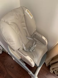 Baby and toddler feeling chair.