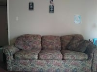 Pull out bed with couch. P.u. in PA Port Arthur, 77642