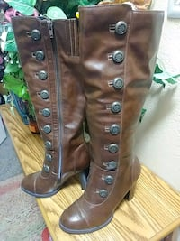 pair of brown leather boots Las Vegas, 89102