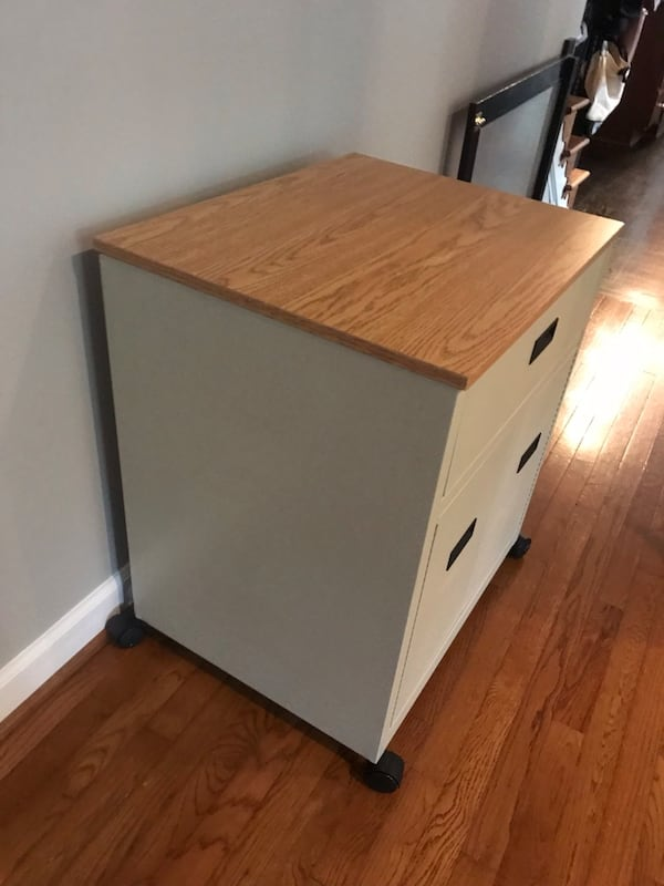 Rolling nightstand or cart a814653c-f71e-4c42-bae1-cd4a4a008f16