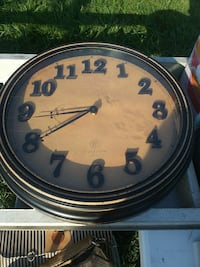 round black and brown analog wall clock Frederica, 19946