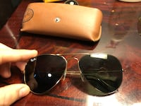 Ray Ban Aviator Classic with case Whitby, L1M 2P1