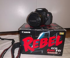 Canon t4i DSLR Camera