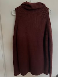 Turtle neck sweater  Delta, V4C 3H2