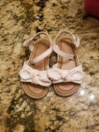 pair of white leather open-toe sandals Lemoore, 93245