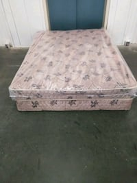 white and pink floral mattress Norfolk, 23502