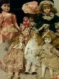 Porcelain dolls 7 antique dolls  Piney Flats, 37686