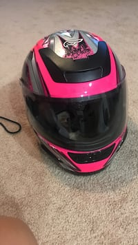black and pink full-face helmet Gainesville, 20155