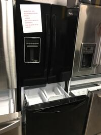 Whirlpool 30in. Black French doors fridge in excellent condition