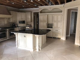 Luxury Custom Cabinetry W/ Appliances